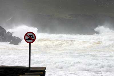 nO SWIMMING ON THE dINGLE pENINSULA