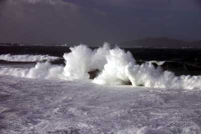 Waves in Dingle
