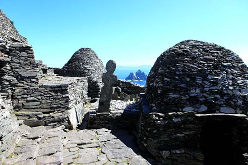 beehive huts skelligs