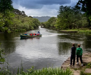 Boat trips on the lakes for kids