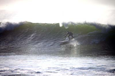 Surfing Inch Reefs