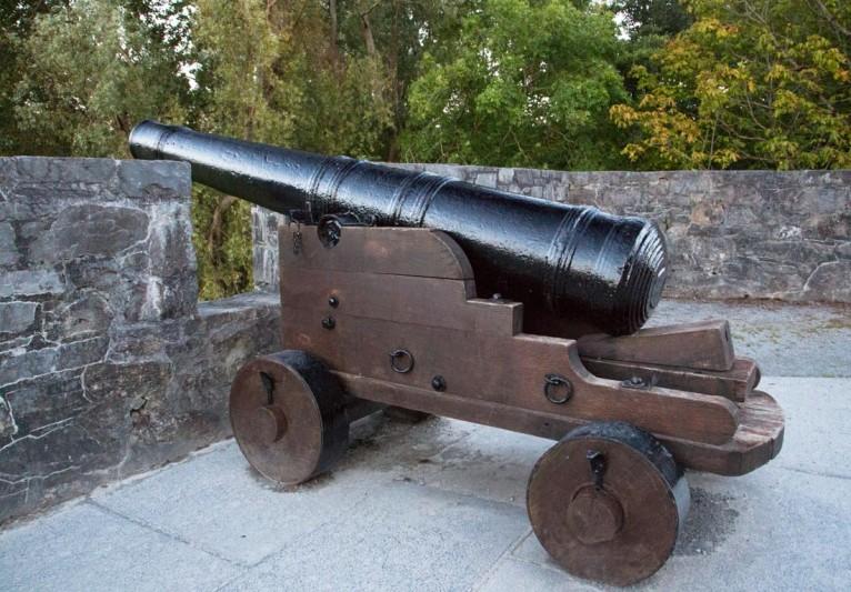 Ross Castle canon